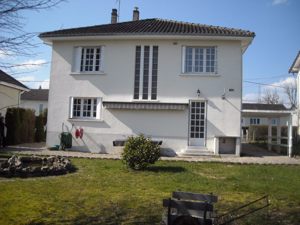 Maison à louer 4 120m2 à Rilhac-Rancon vignette-6