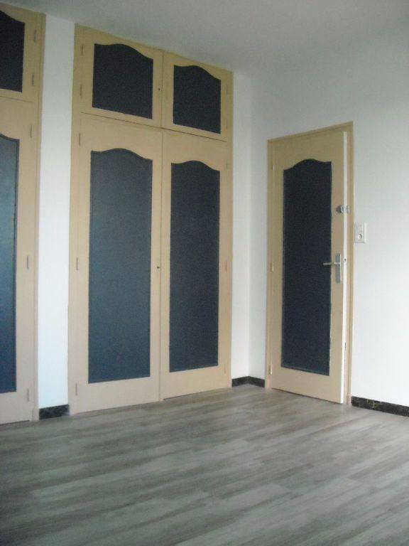 Maison à louer 4 120m2 à Rilhac-Rancon vignette-9