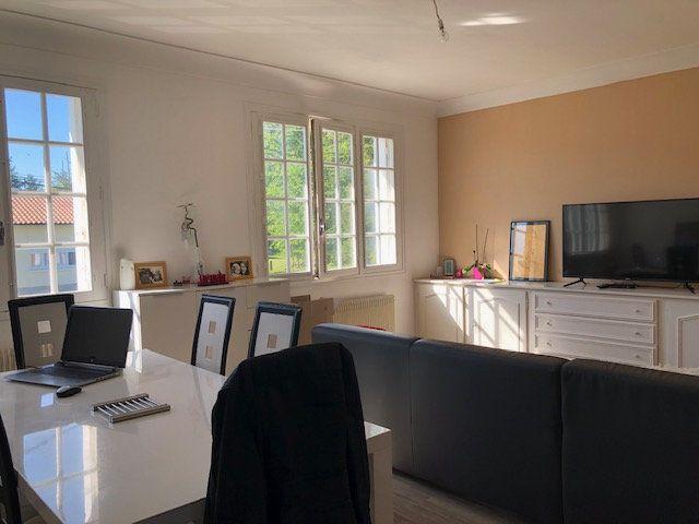 Maison à louer 4 120m2 à Rilhac-Rancon vignette-14