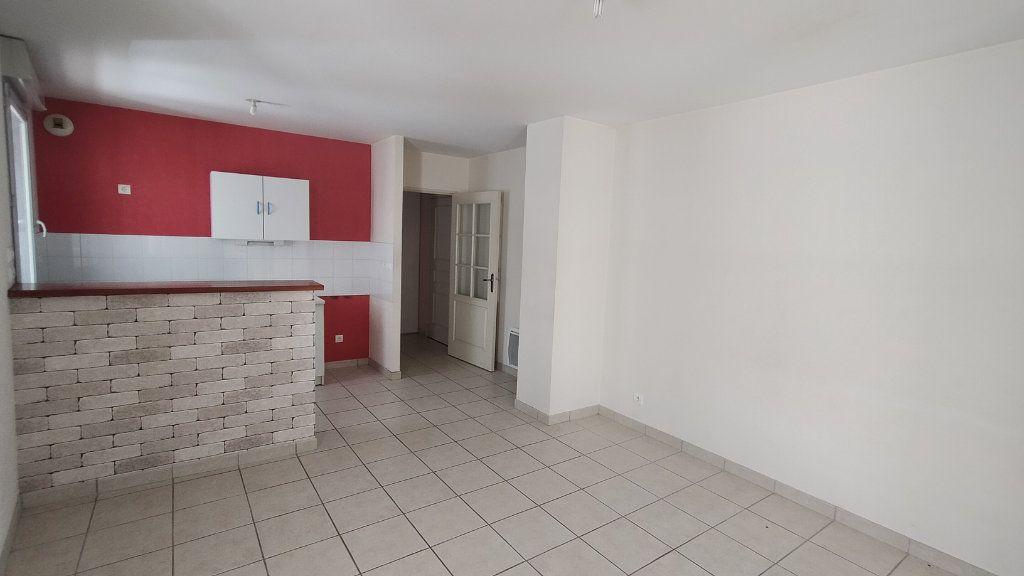 Appartement à louer 2 44m2 à Limoges vignette-2