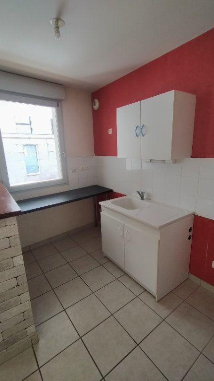 Appartement à louer 2 44m2 à Limoges vignette-3