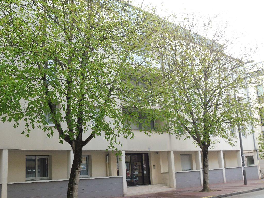 Appartement à louer 2 44m2 à Limoges vignette-8