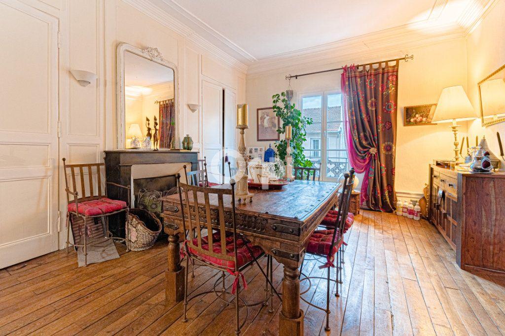 Appartement à vendre 4 127.7m2 à Limoges vignette-1