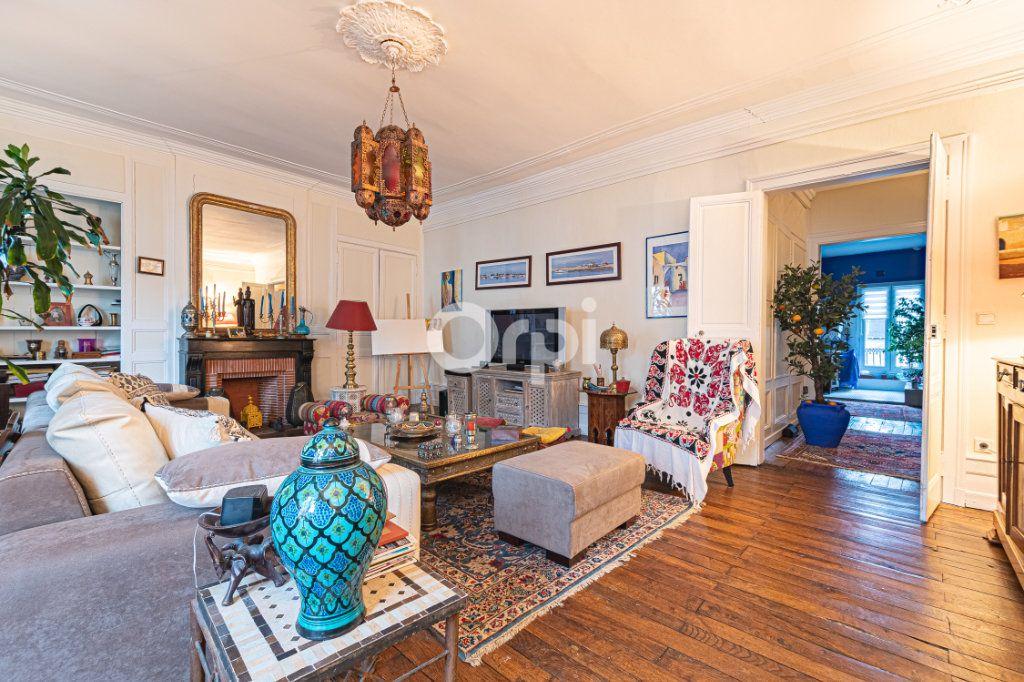 Appartement à vendre 4 127.7m2 à Limoges vignette-2