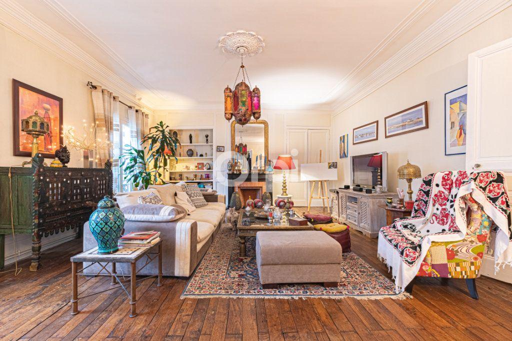 Appartement à vendre 4 127.7m2 à Limoges vignette-3