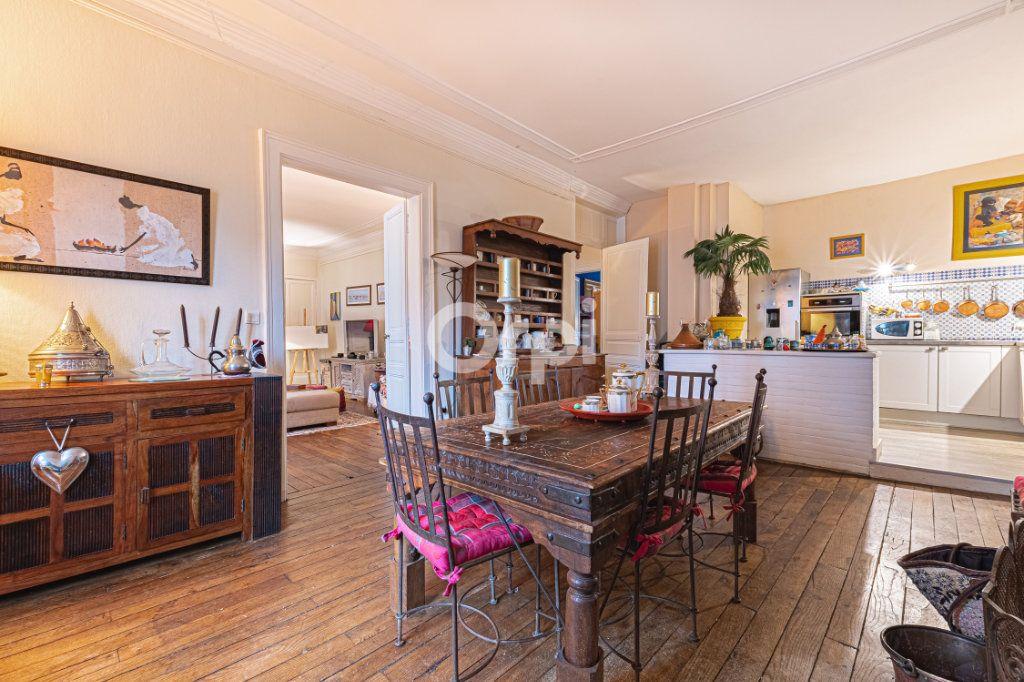 Appartement à vendre 4 127.7m2 à Limoges vignette-4