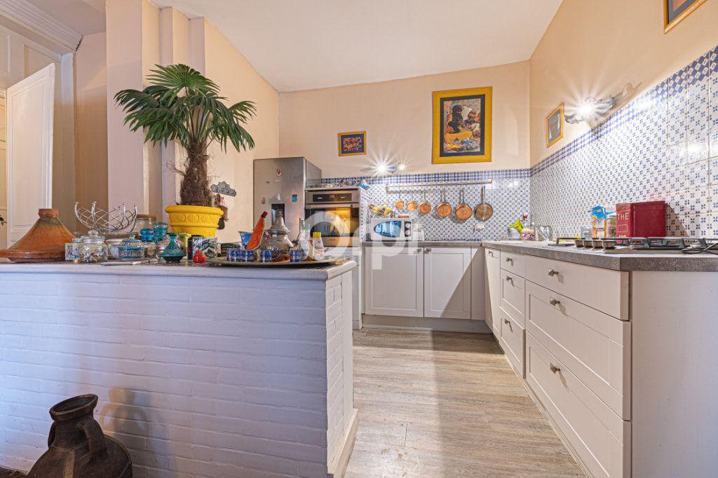 Appartement à vendre 4 127.7m2 à Limoges vignette-5