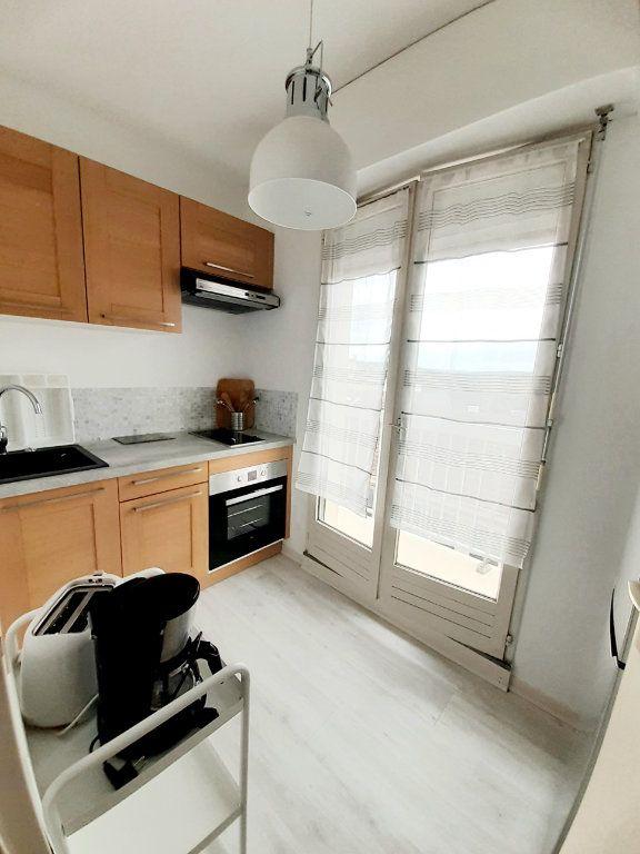 Appartement à louer 1 33m2 à Limoges vignette-3