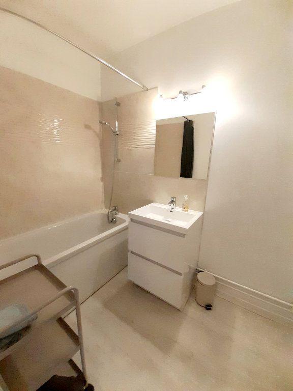 Appartement à louer 1 33m2 à Limoges vignette-4