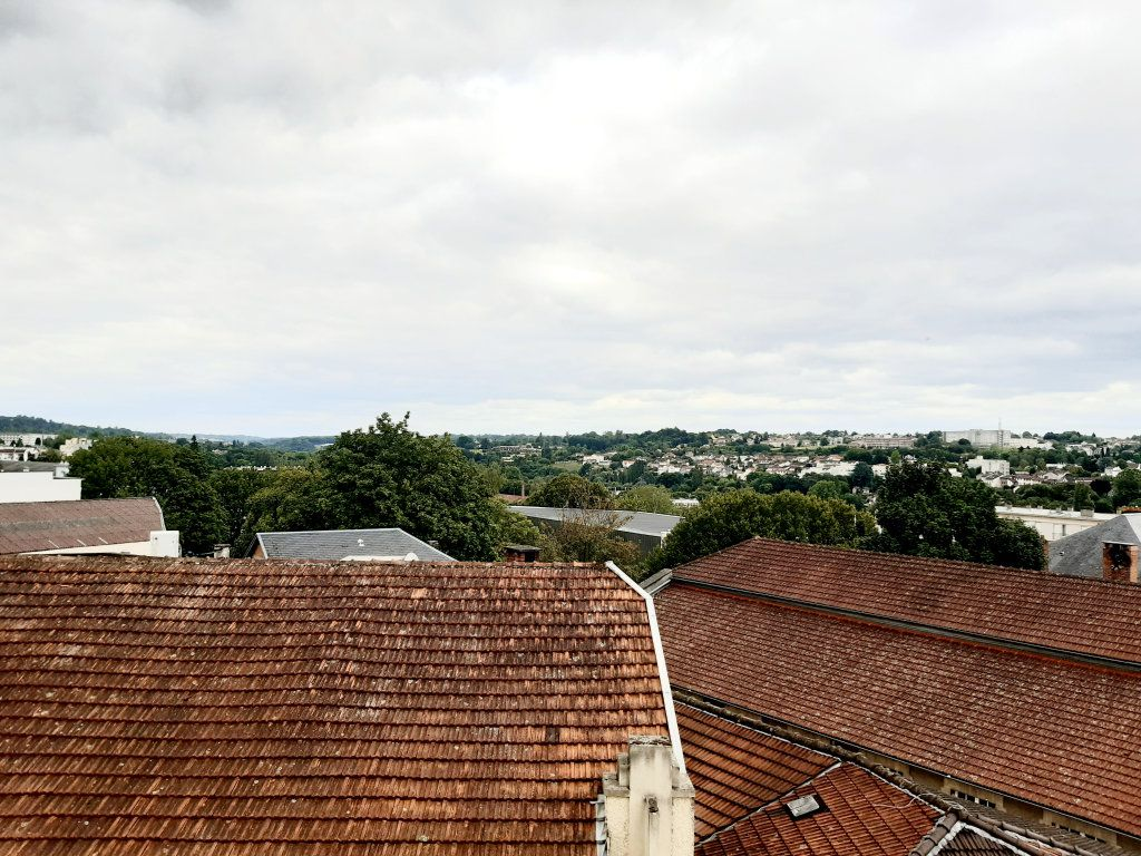 Appartement à louer 1 33m2 à Limoges vignette-10