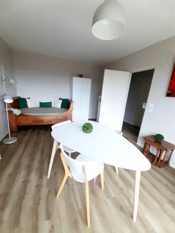 Appartement à louer 1 33m2 à Limoges vignette-11