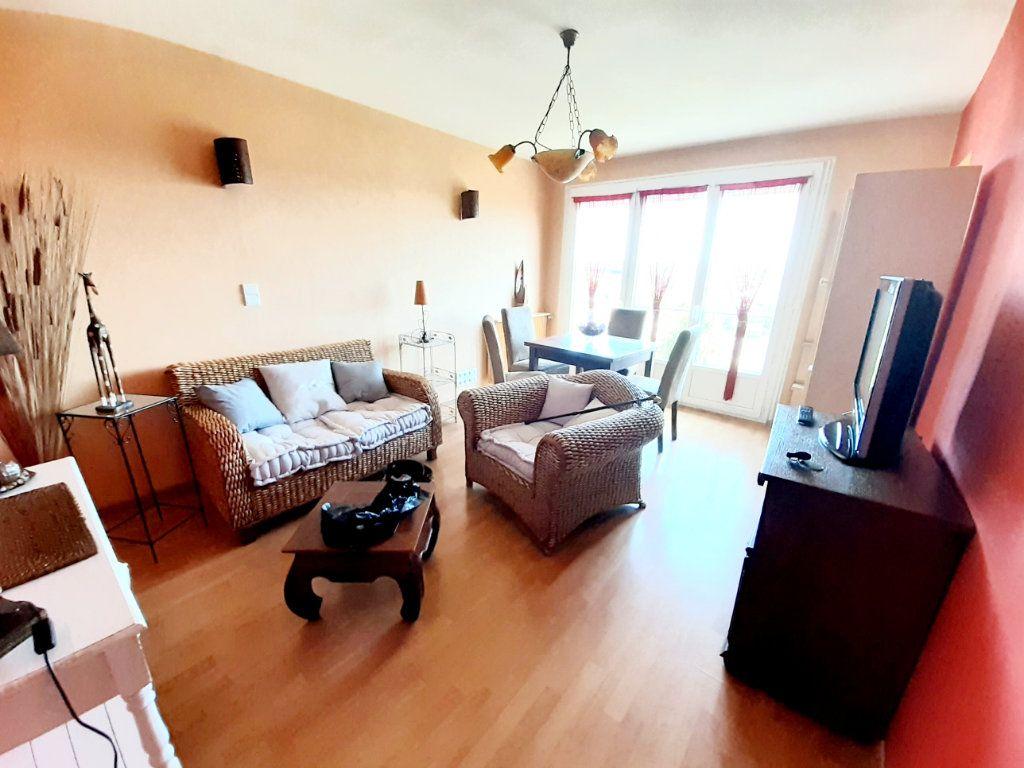 Appartement à louer 2 43.42m2 à Limoges vignette-2