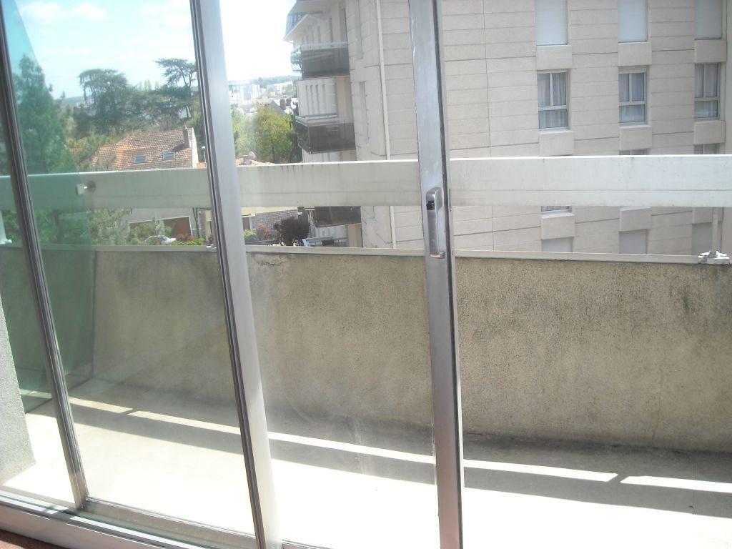 Appartement à louer 1 35m2 à Limoges vignette-2