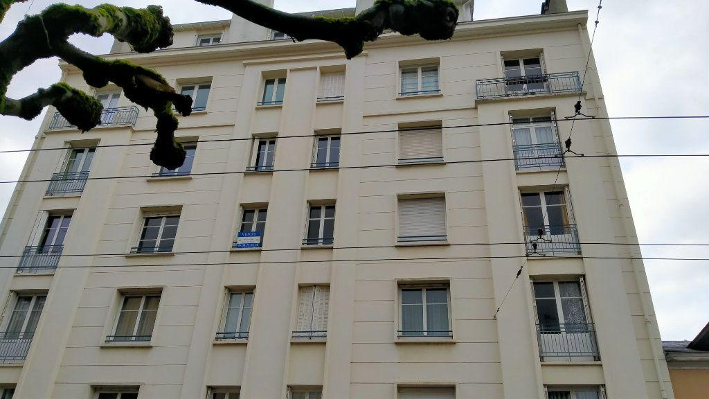 Appartement à vendre 7 144.76m2 à Limoges vignette-1