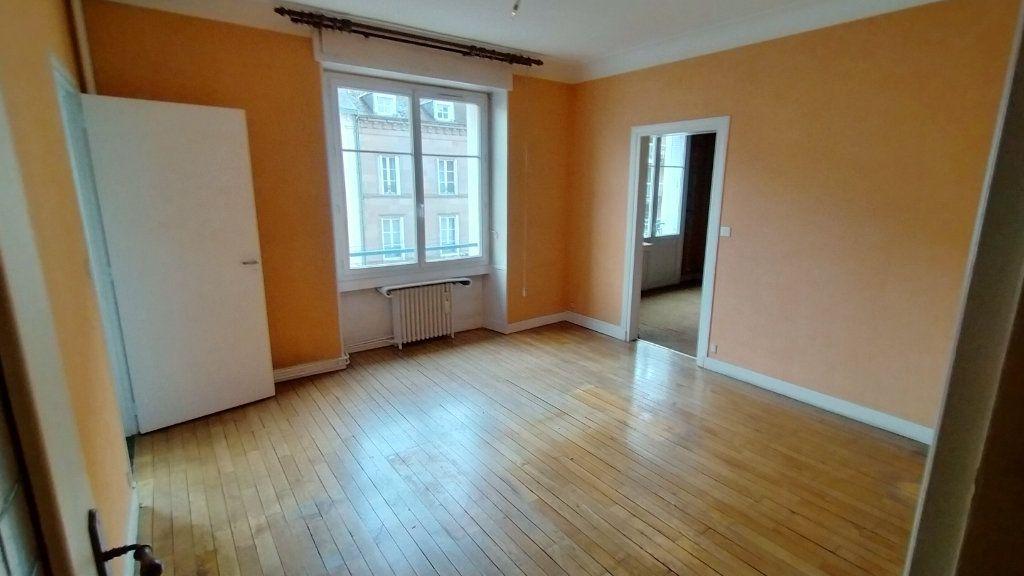Appartement à vendre 7 144.76m2 à Limoges vignette-2