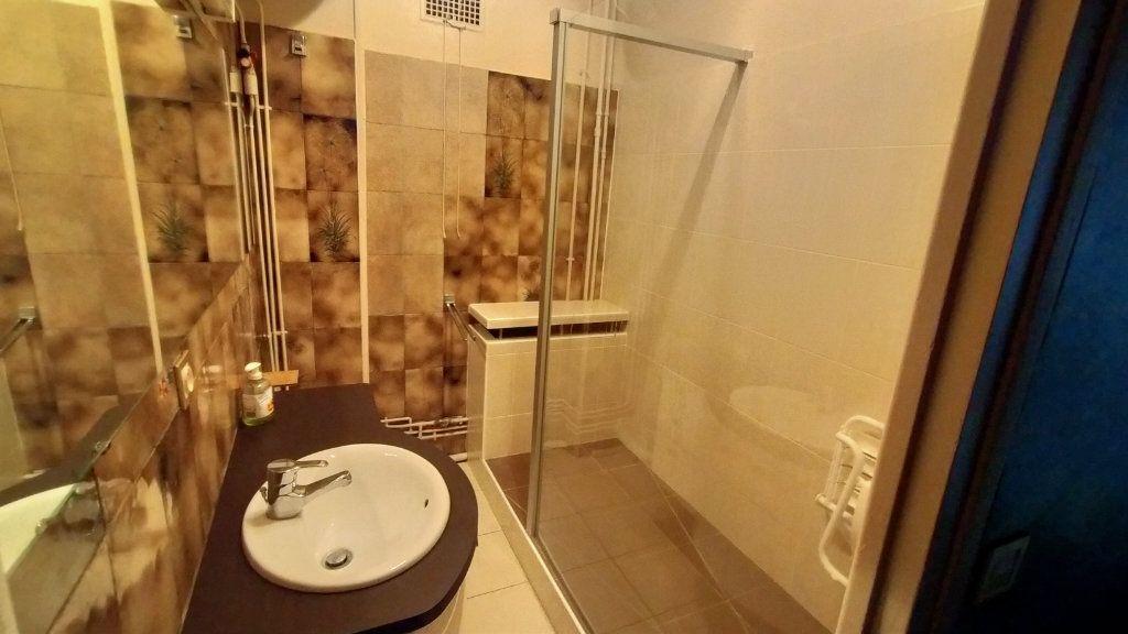Appartement à vendre 7 144.76m2 à Limoges vignette-12