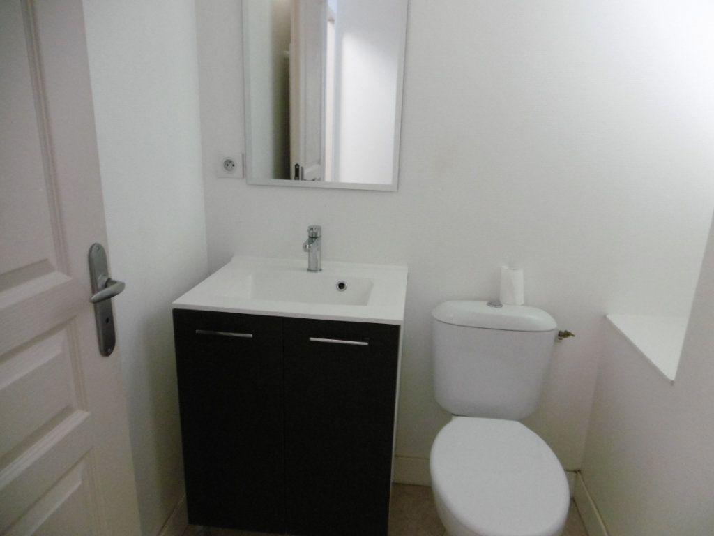 Appartement à louer 2 35m2 à Limoges vignette-9