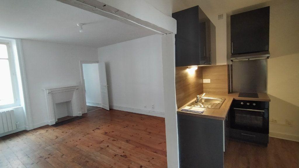 Appartement à louer 2 42m2 à Limoges vignette-1