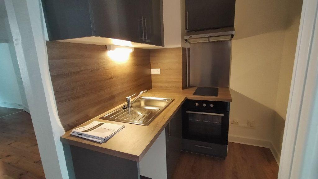Appartement à louer 2 42m2 à Limoges vignette-2