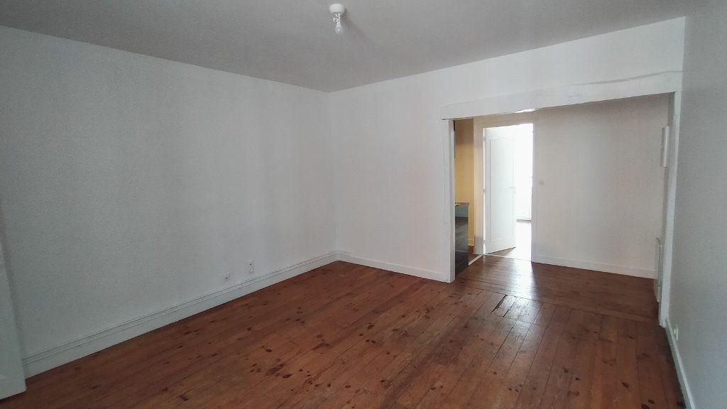 Appartement à louer 2 42m2 à Limoges vignette-4