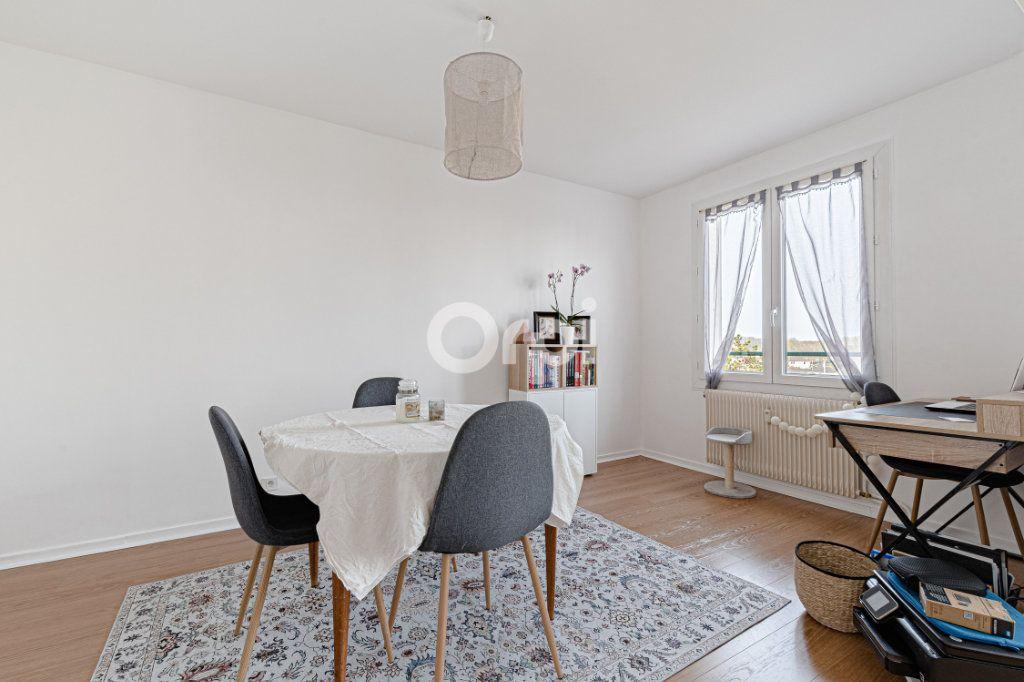 Appartement à vendre 4 69.9m2 à Limoges vignette-3