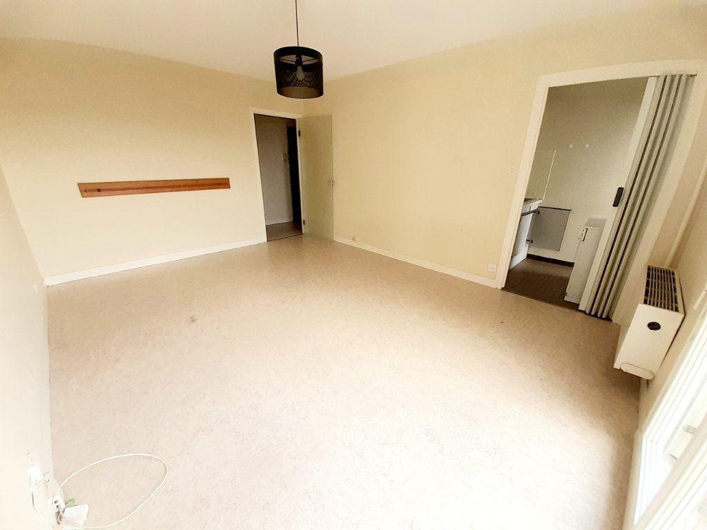 Appartement à louer 1 30.19m2 à Limoges vignette-4