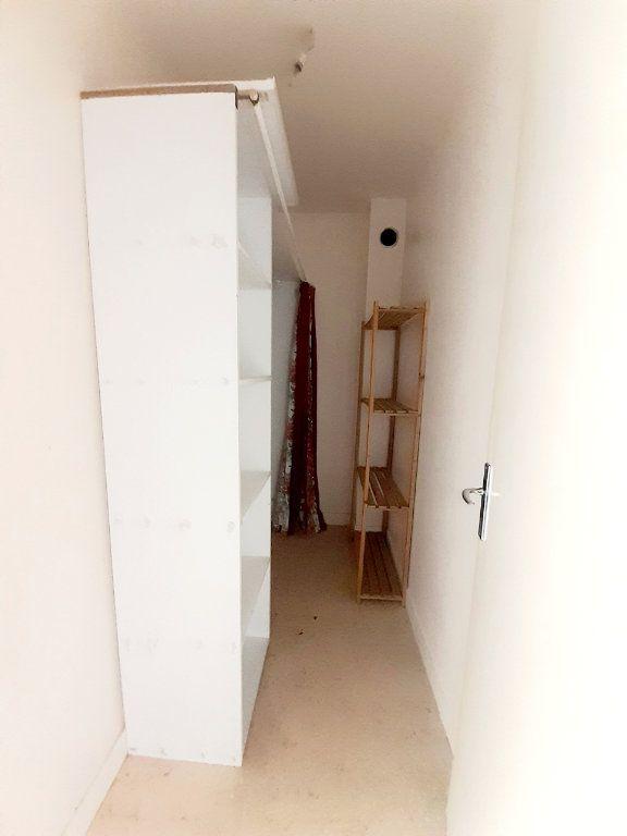 Appartement à louer 1 30.19m2 à Limoges vignette-5