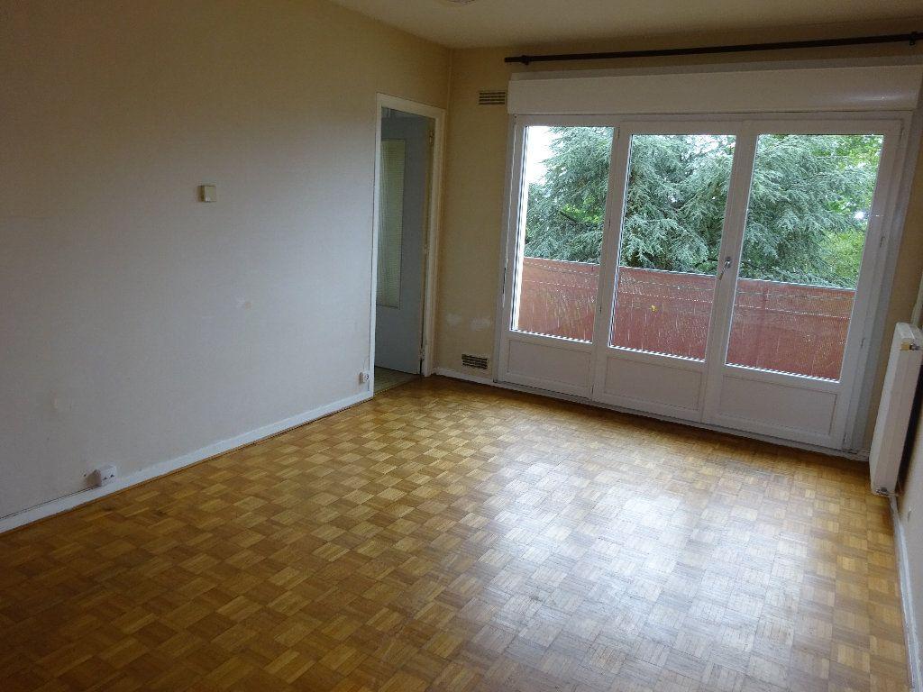 Appartement à louer 1 24.99m2 à Limoges vignette-1