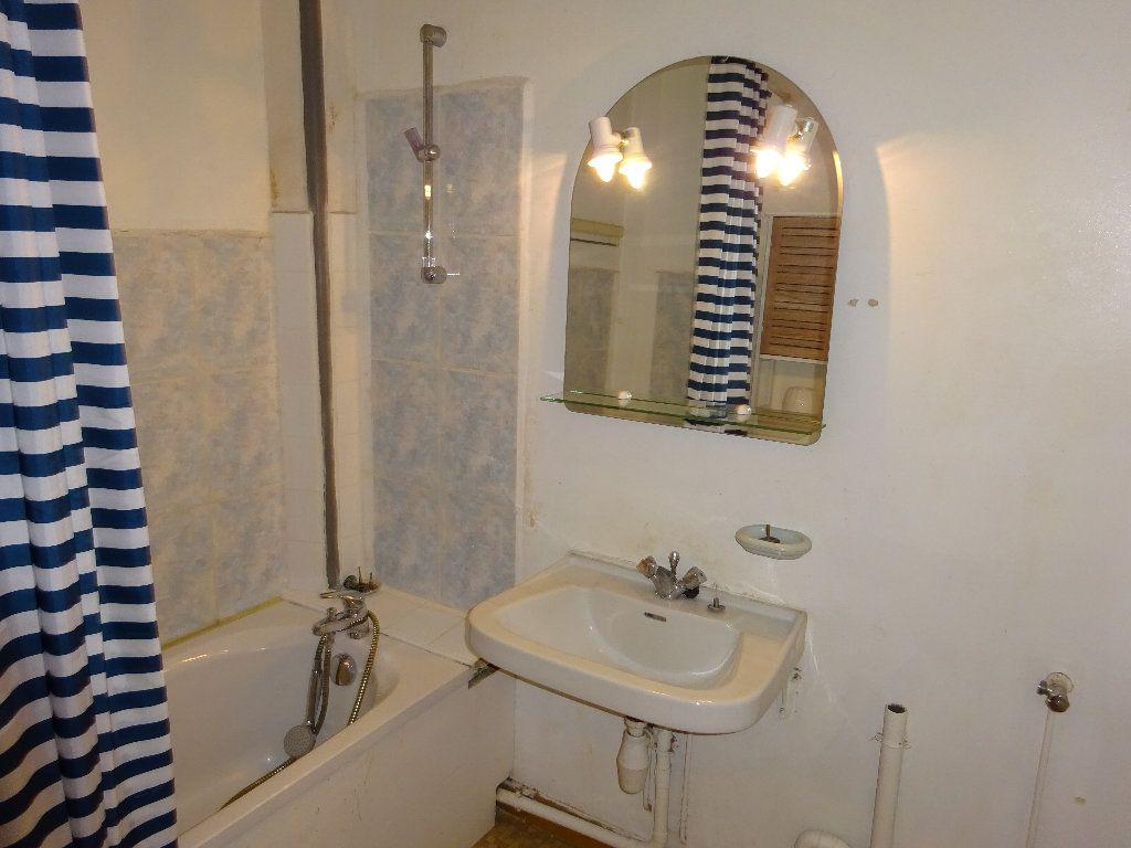 Appartement à louer 1 24.99m2 à Limoges vignette-5