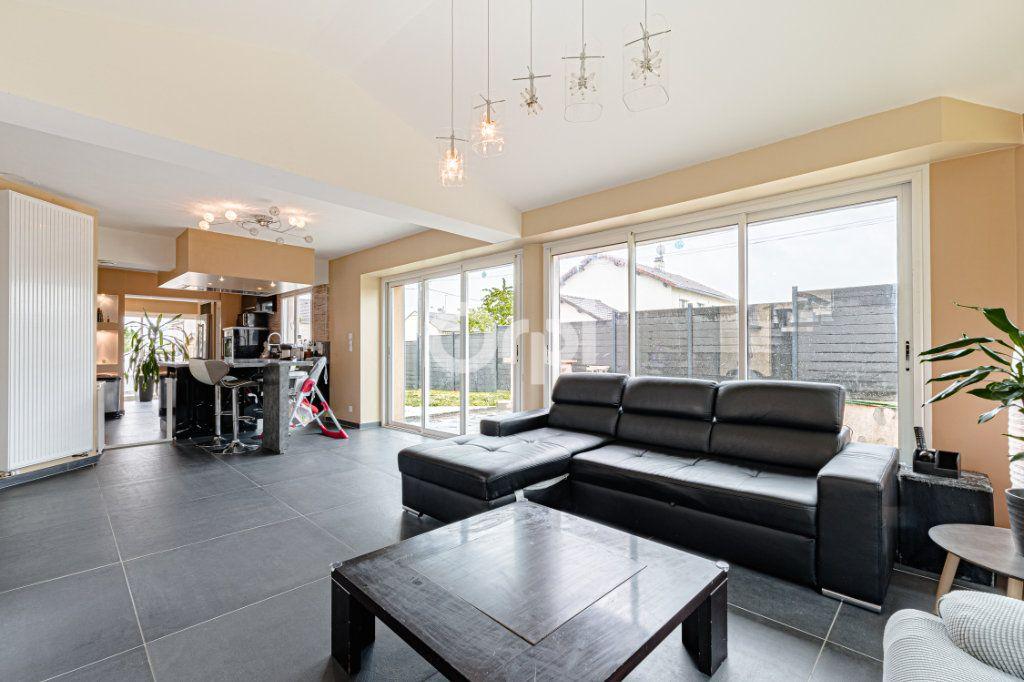 Maison à vendre 8 185m2 à Rilhac-Rancon vignette-5