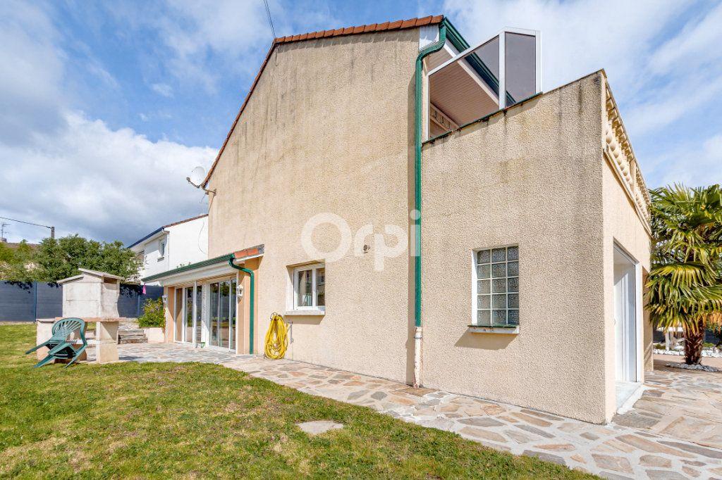 Maison à vendre 8 185m2 à Rilhac-Rancon vignette-16