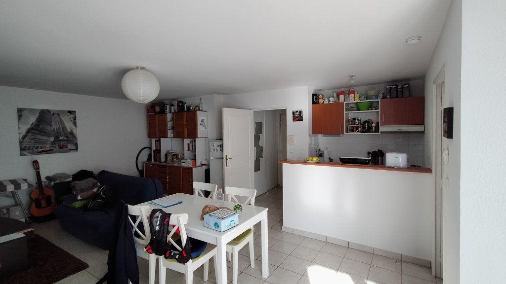 Appartement à louer 2 52.7m2 à Limoges vignette-2