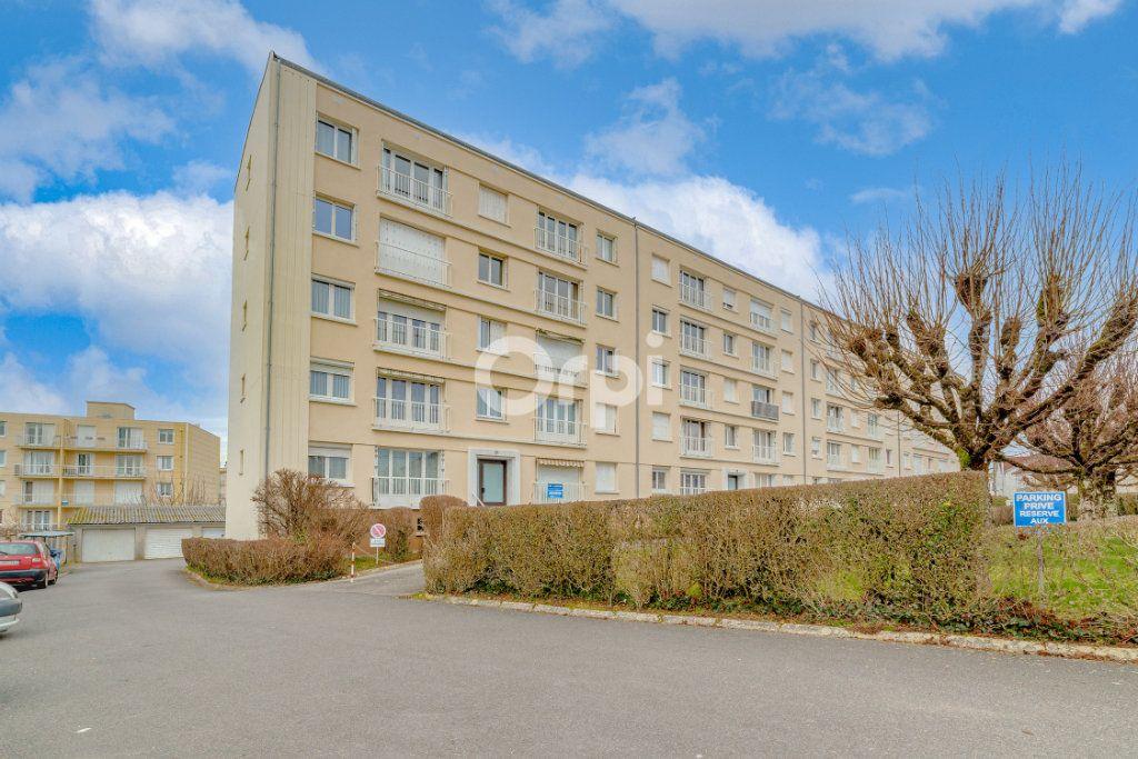 Appartement à louer 3 53.65m2 à Limoges vignette-12