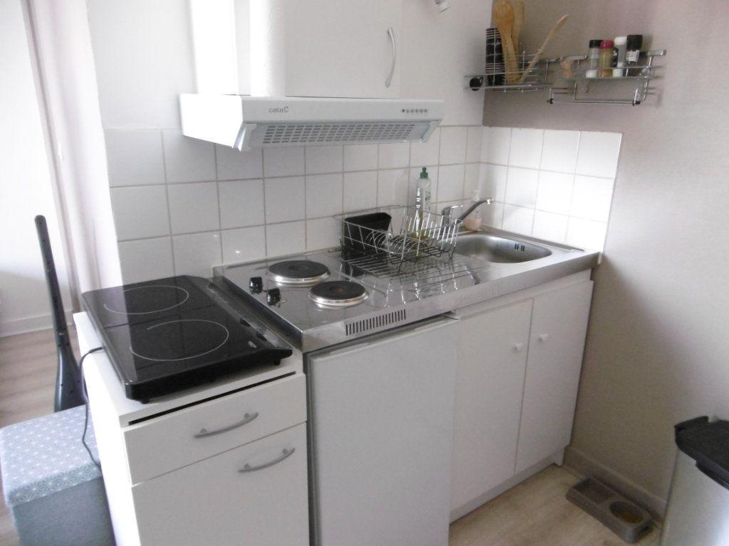 Appartement à louer 1 23.64m2 à Limoges vignette-3