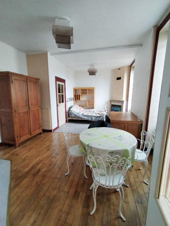 Appartement à louer 1 28m2 à Limoges vignette-2