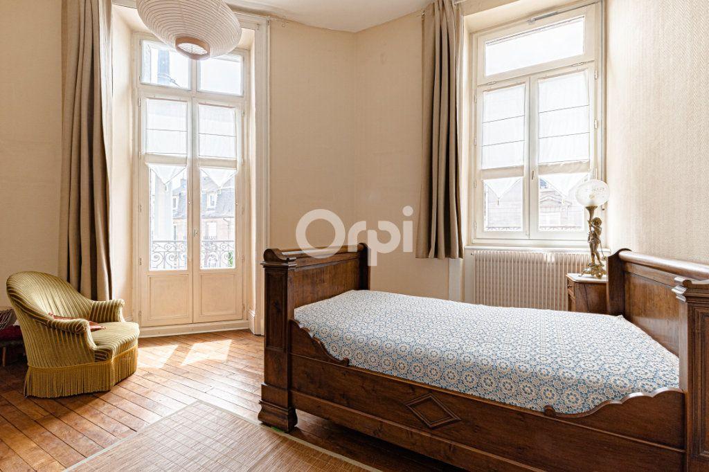 Appartement à vendre 5 121m2 à Limoges vignette-2