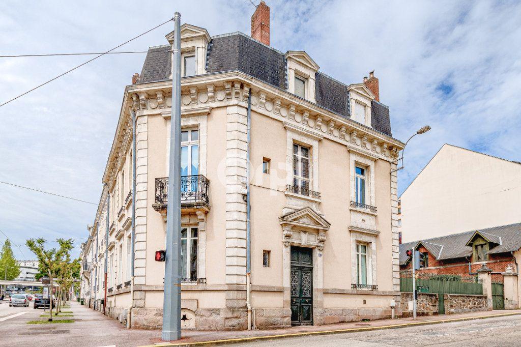 Appartement à vendre 5 121m2 à Limoges vignette-13