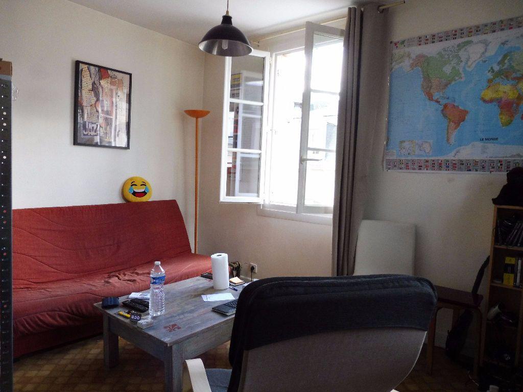 Appartement à louer 2 30.46m2 à Limoges vignette-5