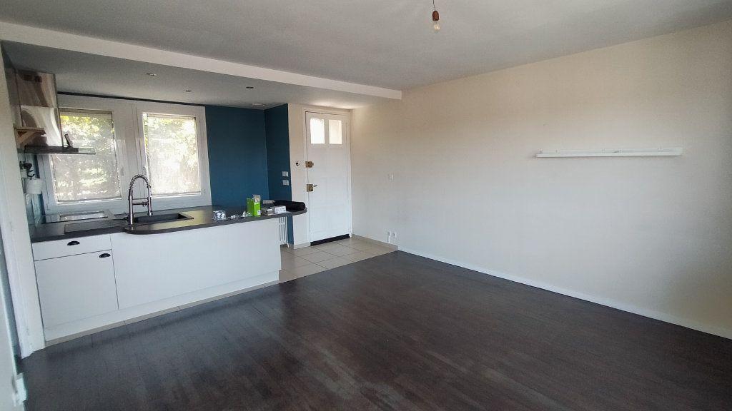 Maison à louer 3 60m2 à Limoges vignette-4