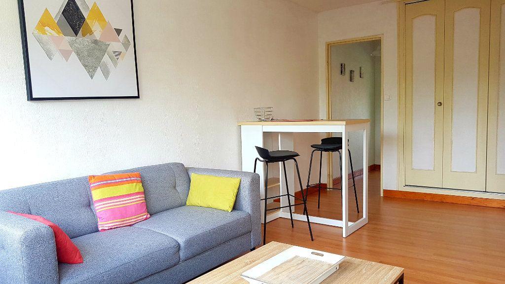 Appartement à louer 2 43.84m2 à Limoges vignette-1
