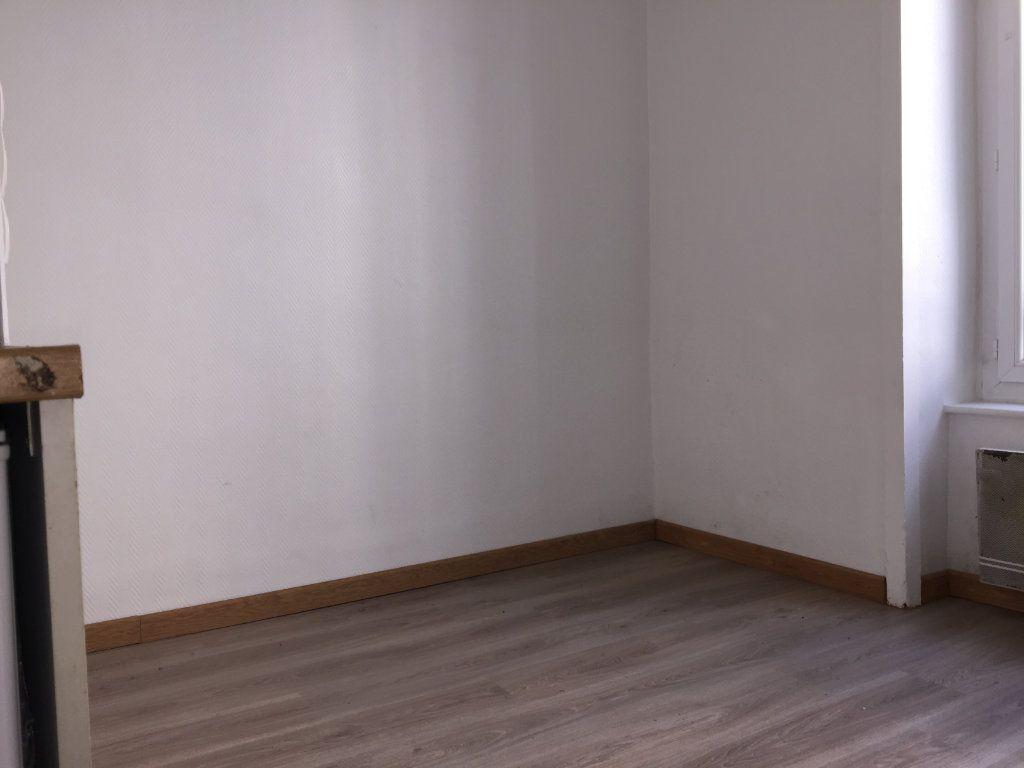 Appartement à louer 1 16m2 à Limoges vignette-5