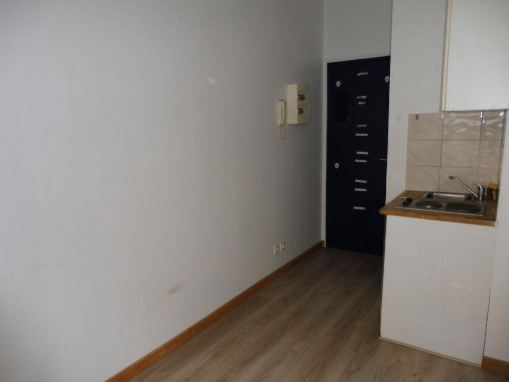 Appartement à louer 1 16m2 à Limoges vignette-8