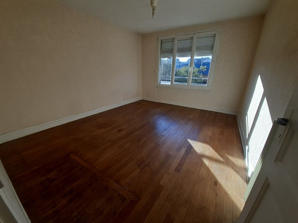 Appartement à louer 2 44.28m2 à Limoges vignette-3