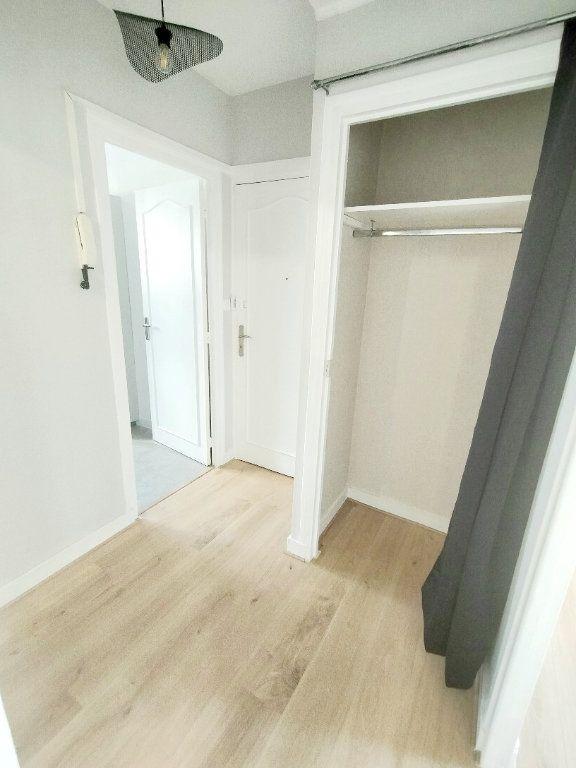 Appartement à louer 3 57m2 à Limoges vignette-8