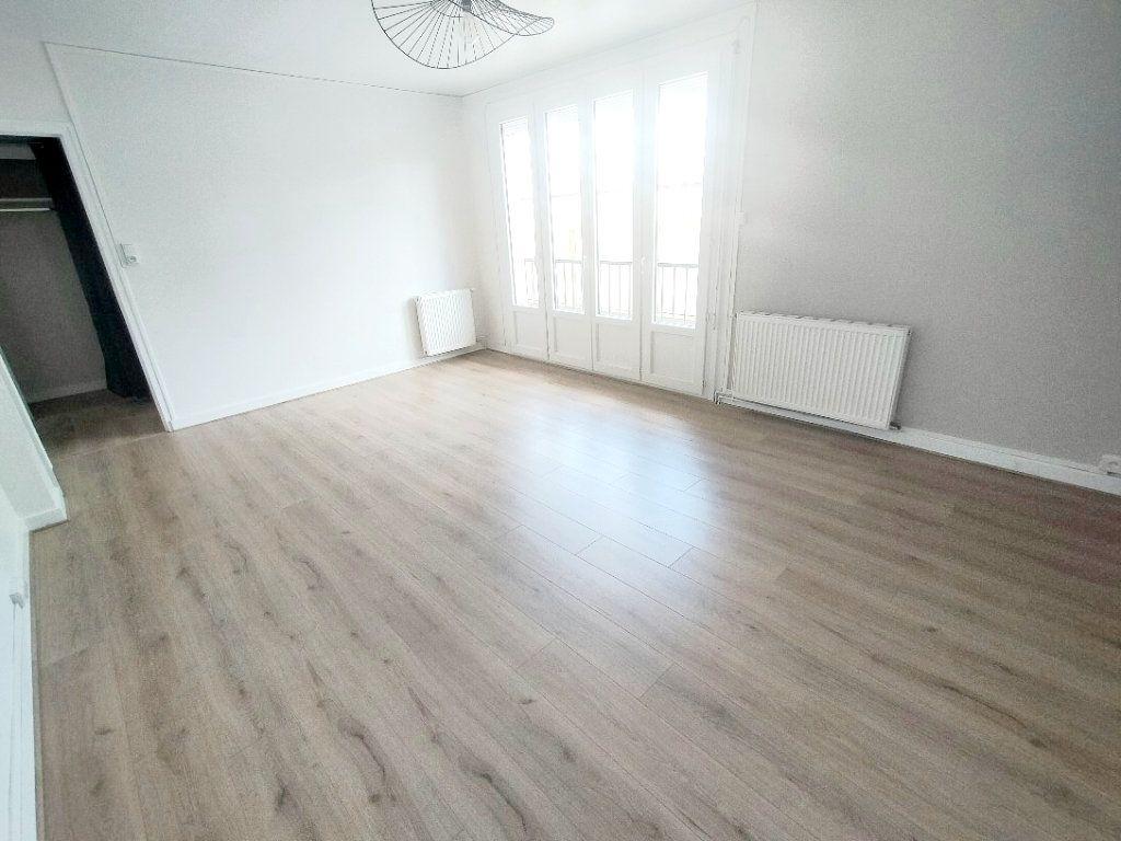 Appartement à louer 3 57m2 à Limoges vignette-11