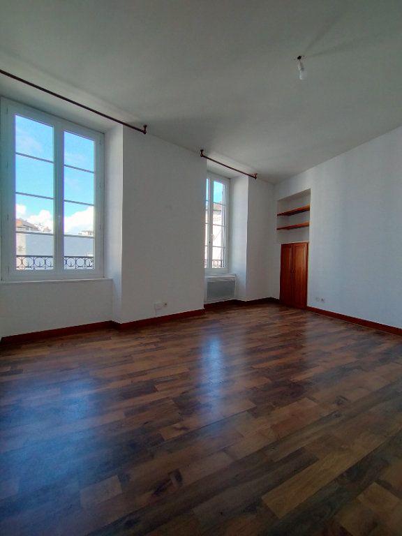 Appartement à louer 2 33.33m2 à Limoges vignette-2