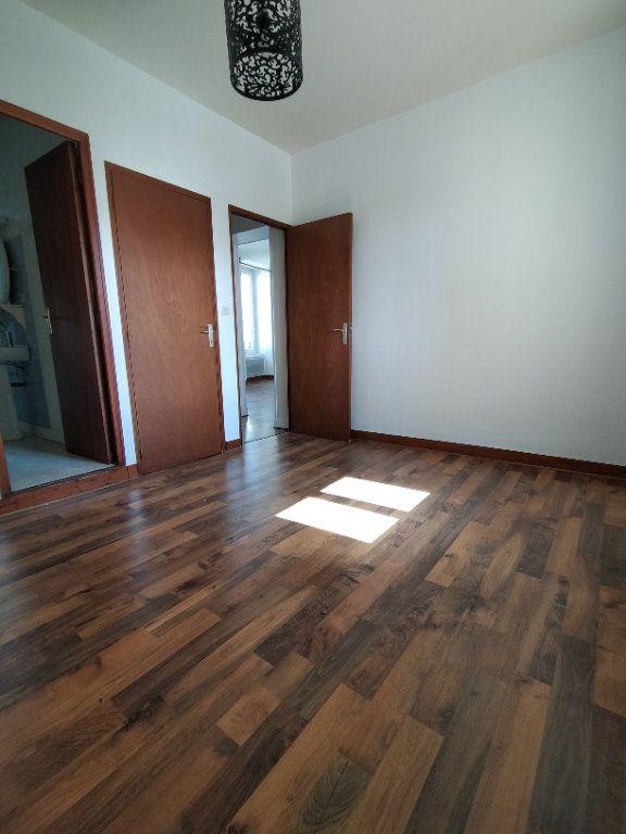 Appartement à louer 2 33.33m2 à Limoges vignette-4