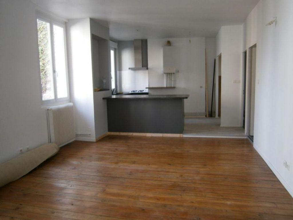 Appartement à louer 3 67.52m2 à Limoges vignette-1