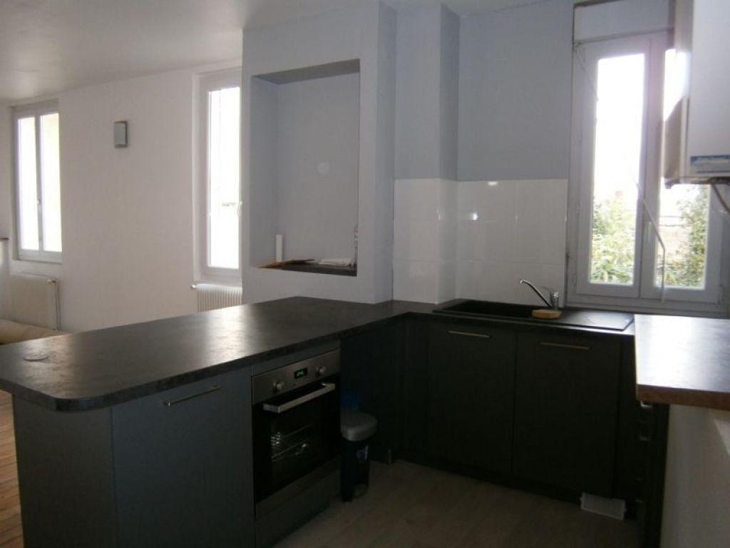 Appartement à louer 3 67.52m2 à Limoges vignette-4