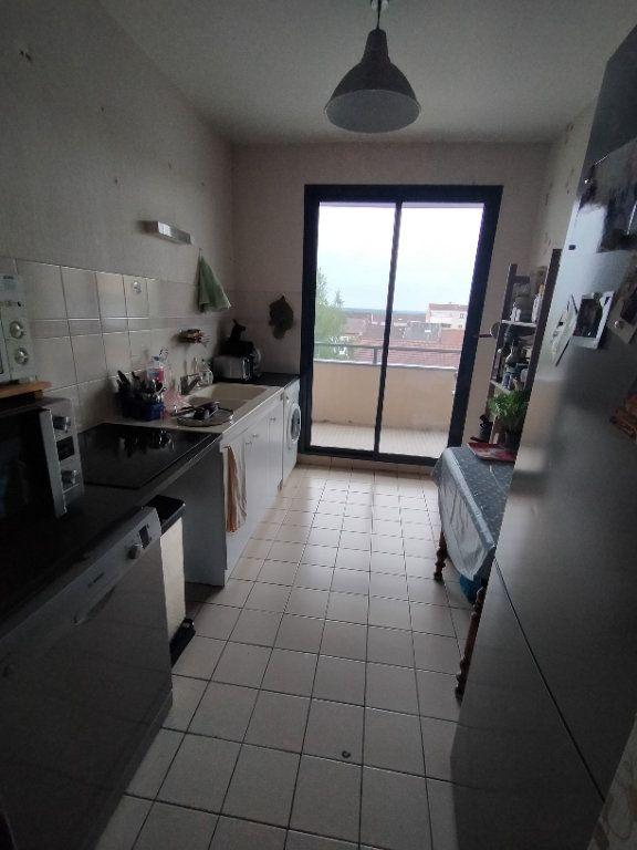 Appartement à louer 4 76.19m2 à Limoges vignette-2